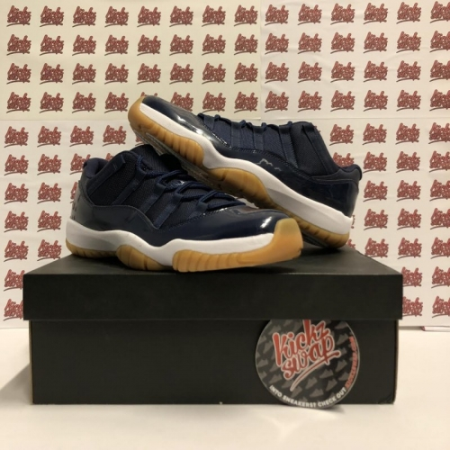 XI Low Navy Gum